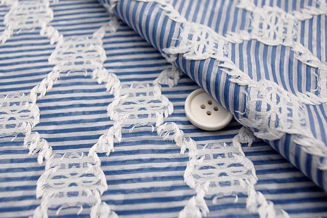 桐生織物カットジャガード服地