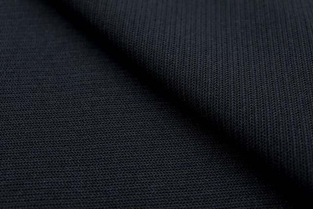 ボーダー編み柄のニット生地